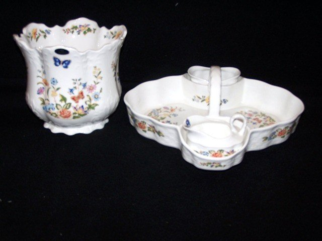 10: Ansley China Planter & Strawberry Set