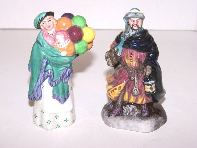 13: 2 Small Royal Doutlon Figurines