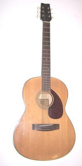 17: Yamaha FG-75 Guitar