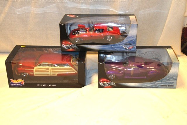 10: 3 Boxed Hot Wheels Collectibles
