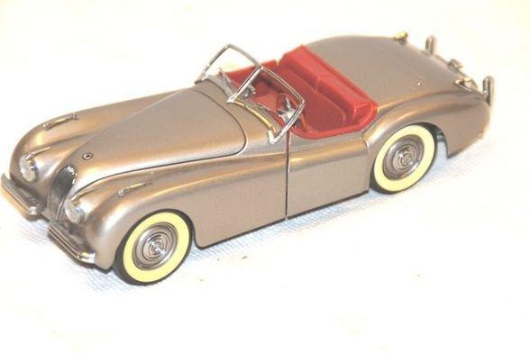 16: 1949 Jaguar XK 120- Danbury Mint