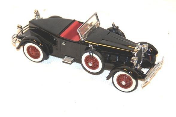 17: 1927 Stud Black Hawk- Danbury Mint