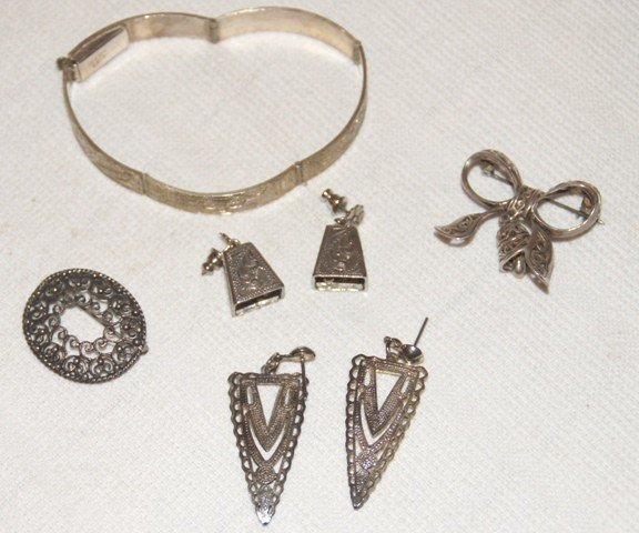 20: Lot of Various Jewelry