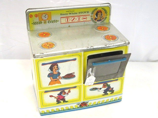 7: Walt Disney Snow White Stove