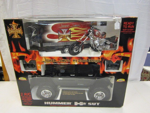 19: GM Jesse James chopper Hummer