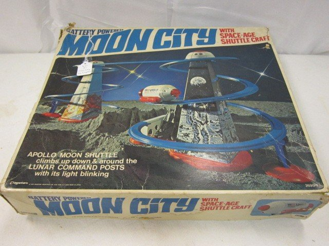 21: Cragstan battery Operated  Moon City Apollo Playset