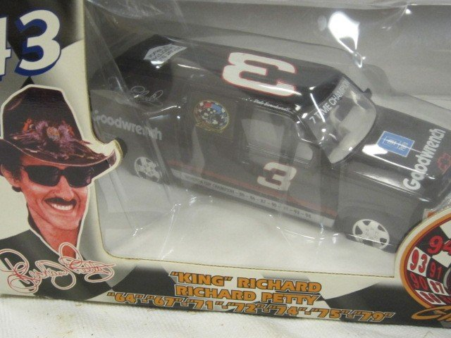 133: Dale Earnhardt and Ricky Bobby Die Cast - 3