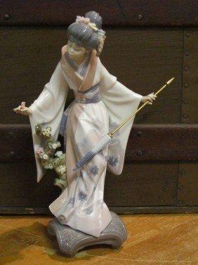 9: Lladro Geisha Women w Flowers Porcelain Figurine