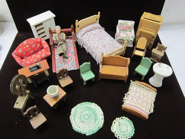 12: Doll house furniture