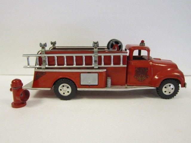 191: Tonka Fire Pump Truck w/ fire hydrant