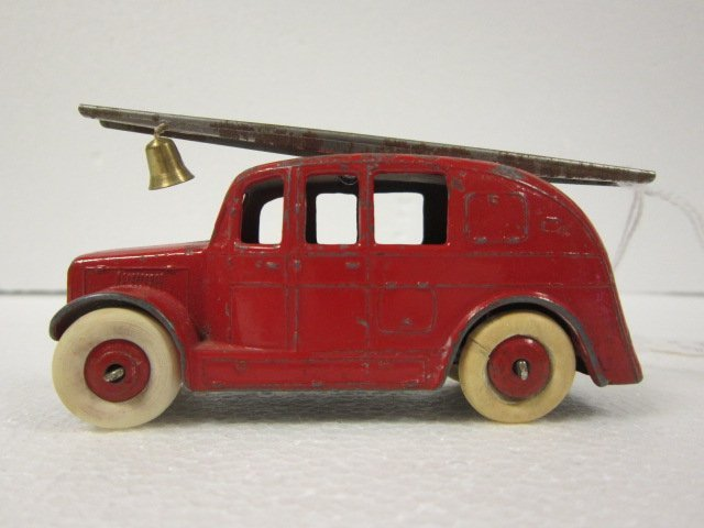 11: Dinky Fire Engine