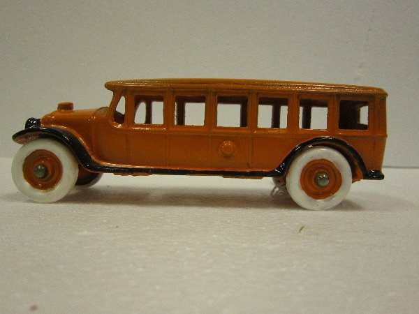 52: Kenton Cast Bus