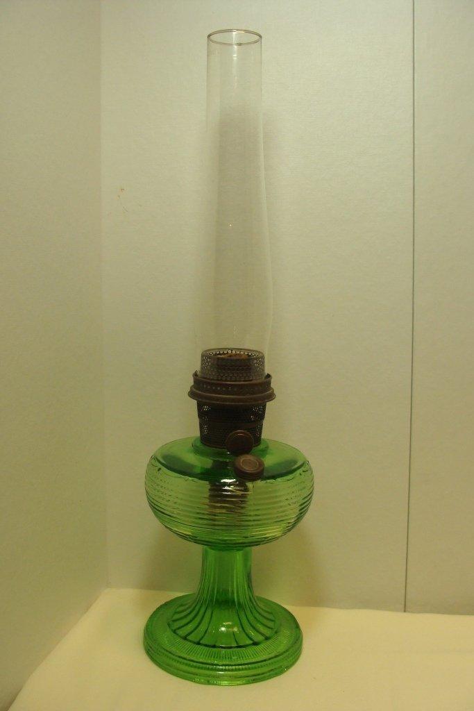 Aladdin Beehive Grn Crystal Table Lamp