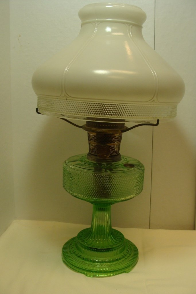 Aladdin Colonial Grn Crystal Table Lamp
