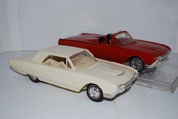 1020: 2-1962 Ford Thunderbirds promo cars, convertible