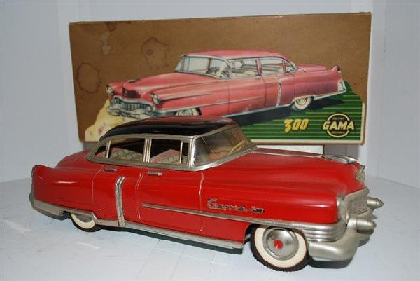 "1054: Gama 300 ""Cadillac"" Four Door Sedan tin litho, fr"