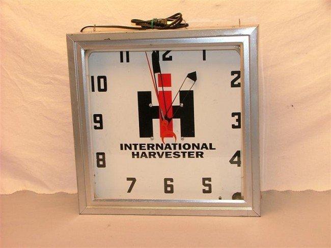 26: International Harvester  neon clock 16x16x5