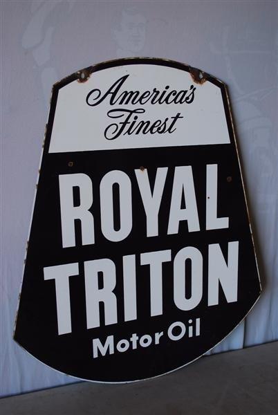 464: Royal Triton Motor Oil DSP diecut sign, 30x24 inch