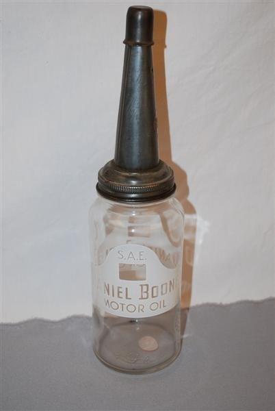 42: Daniel Boone Motor oil motor one quart glass bottle