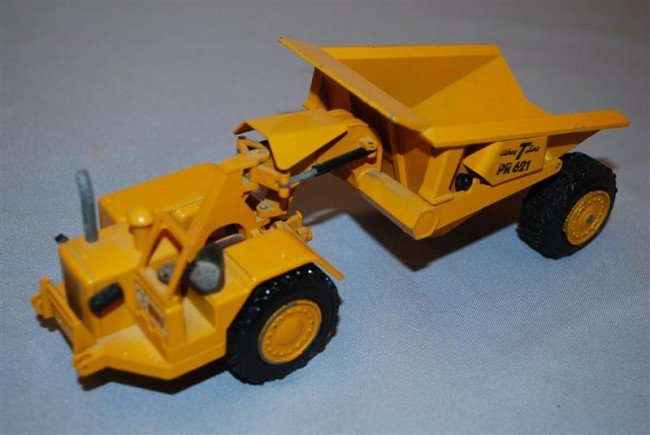 5: NZG Caterpillar 621 Scraper with Athey T line, dieca