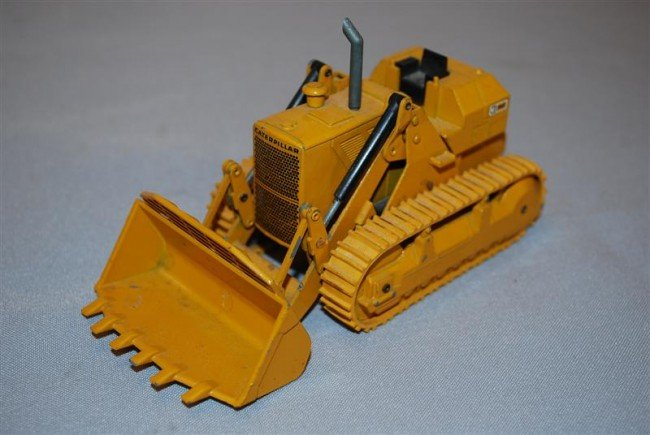 7: NZG Caterpillar 983 Track Loader, no cab, diecast, 1