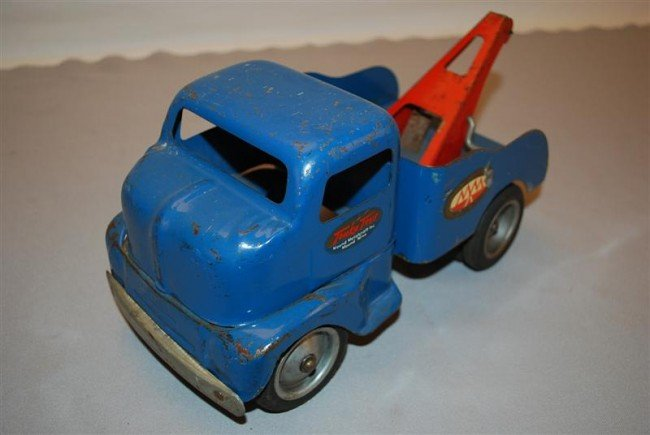 23: 1953 Tonka Cab-Over Wrecker, press steel, 12 inches