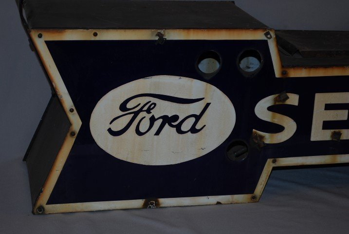 61: Hard to find small Ford Service arrow, 2-SSP diecut - 2