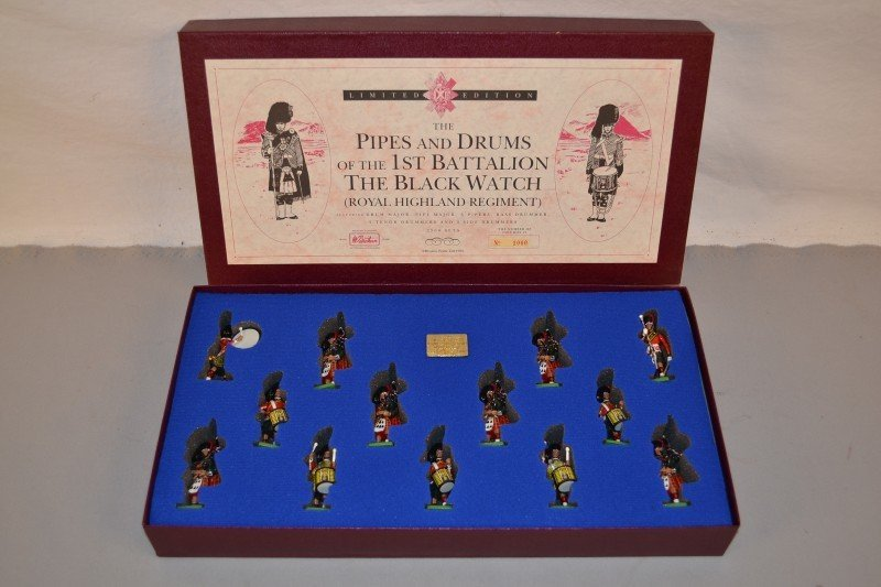 """7: Britains limited edition """"The Pipes and Drum of the"""