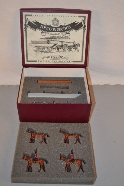 """9: Britains Special Collectors Edition """"Pontoon Section"""