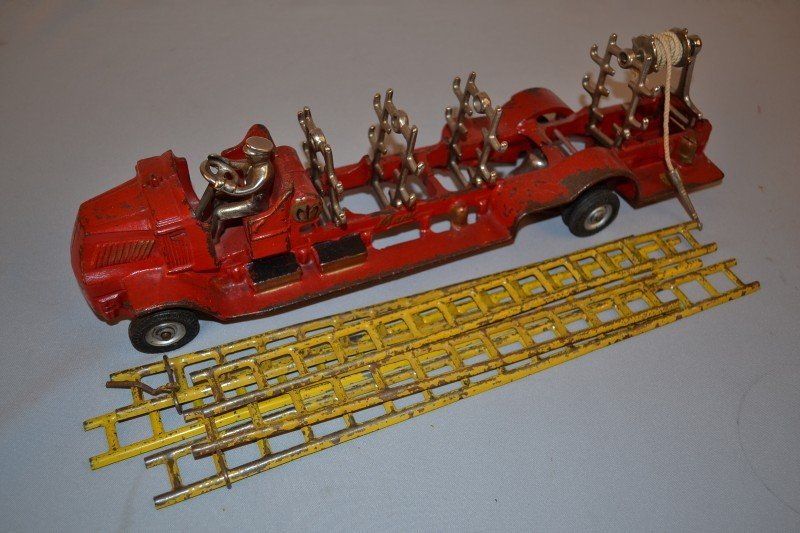 198: Arcade Mack Fire Truck & Ladders, rated 8.5, cast