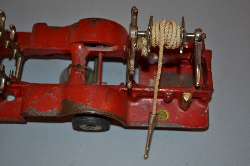 198: Arcade Mack Fire Truck & Ladders, rated 8.5, cast  - 4