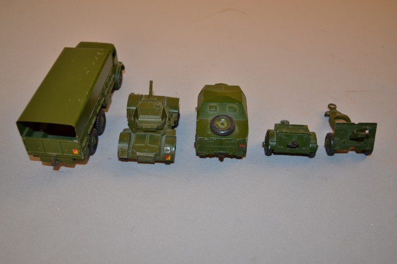 309: 5- military related Dinky toys, rated 9,  5x1.5 in - 3