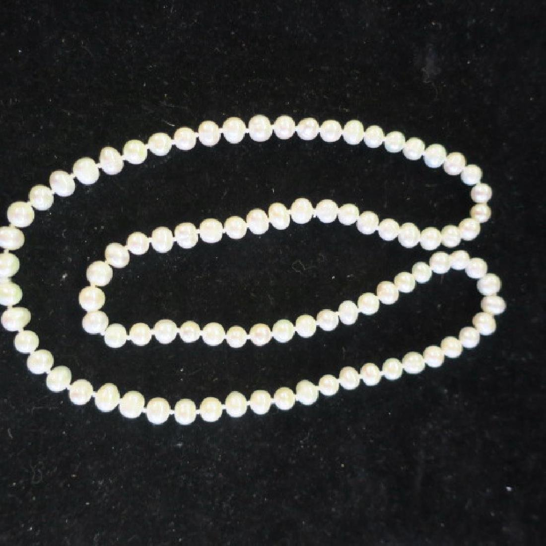 "26"" Strand of Hand knotted Cultured Pearls: - 2"