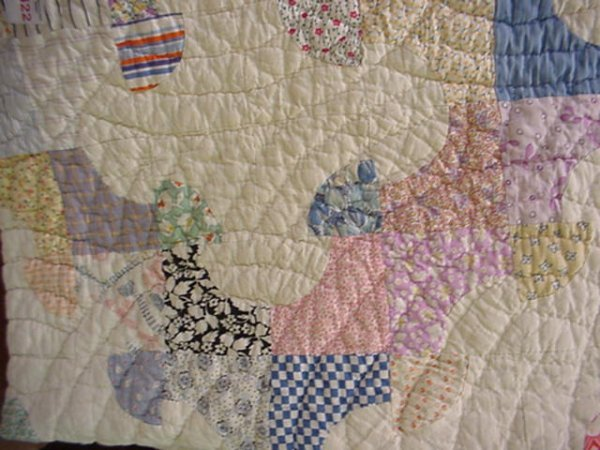422: Hand Stitched Country Drunkard's Path Quilt: