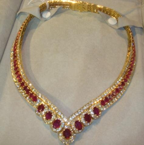 18 KT Yellow Gold V Shaped Diamond & Ruby Necklace: