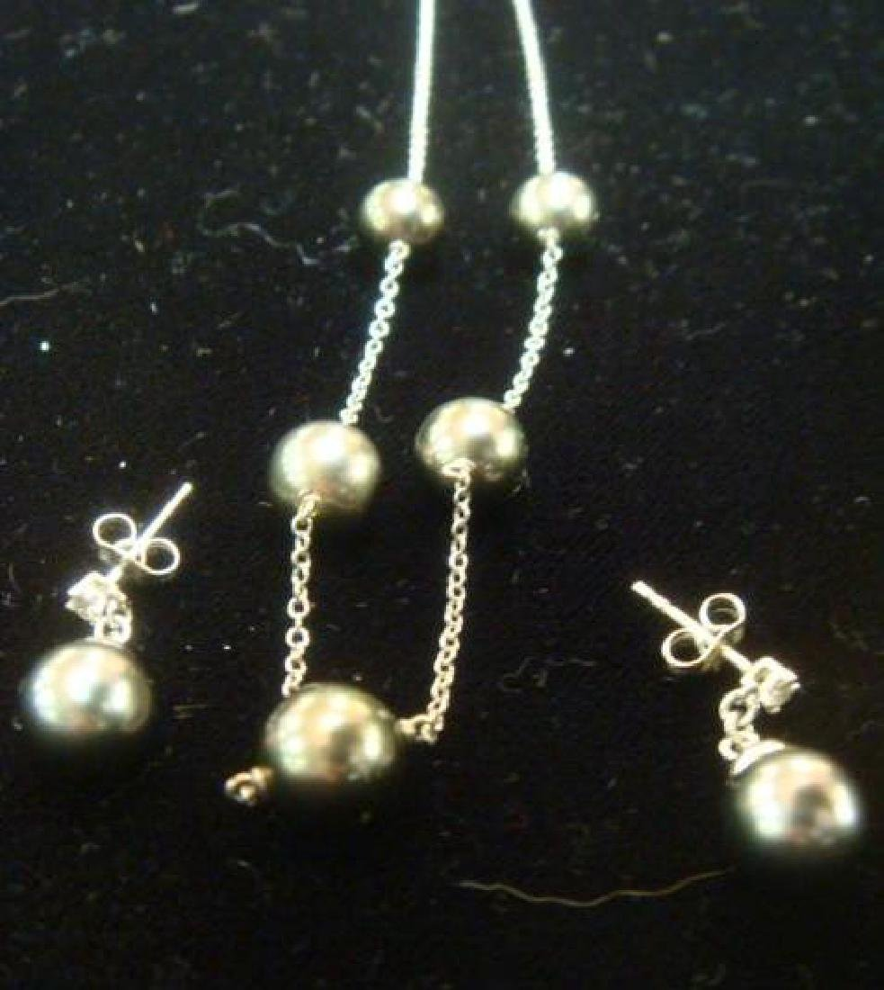 14KT White Gold Link Chain, Black Cultured Pearls: