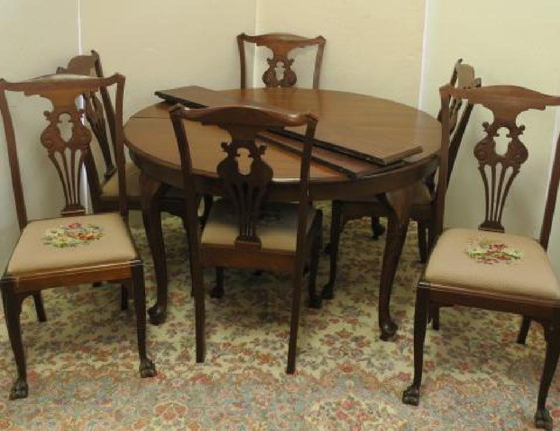Round Mahogany Queen Anne Style Table, 6 Chairs: