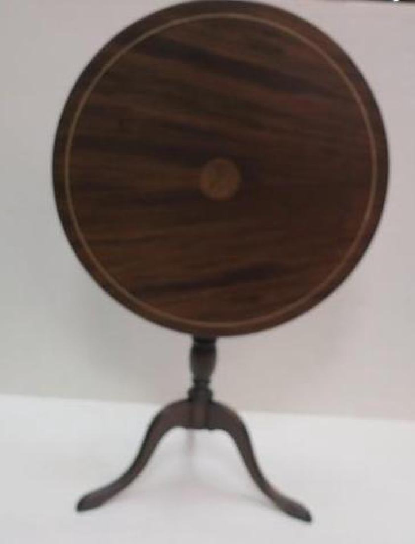 Small Round Tilt Top Table CA 1900: - 2