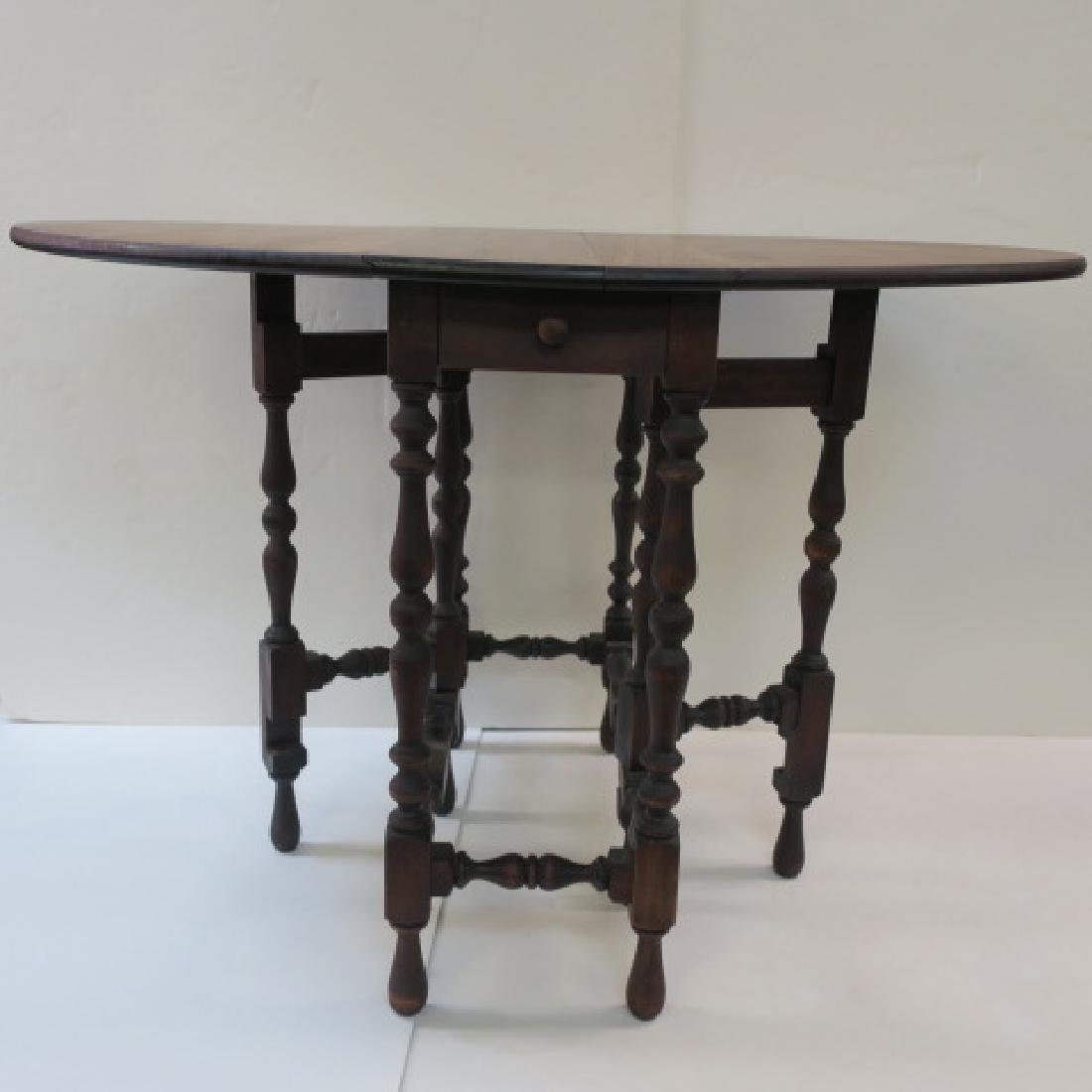 William & Mary Walnut Gate leg Table with Eight Legs: - 2