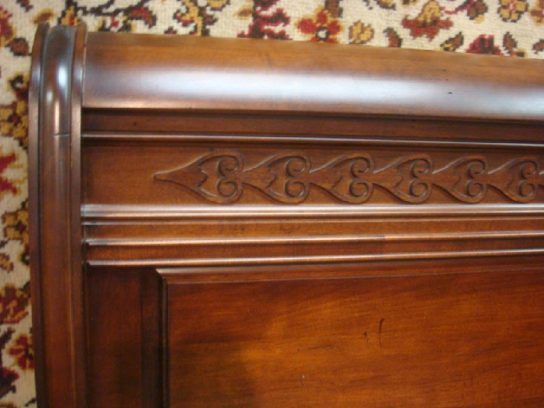 Queen Size Mahogany Sleigh Type Bed: - 2