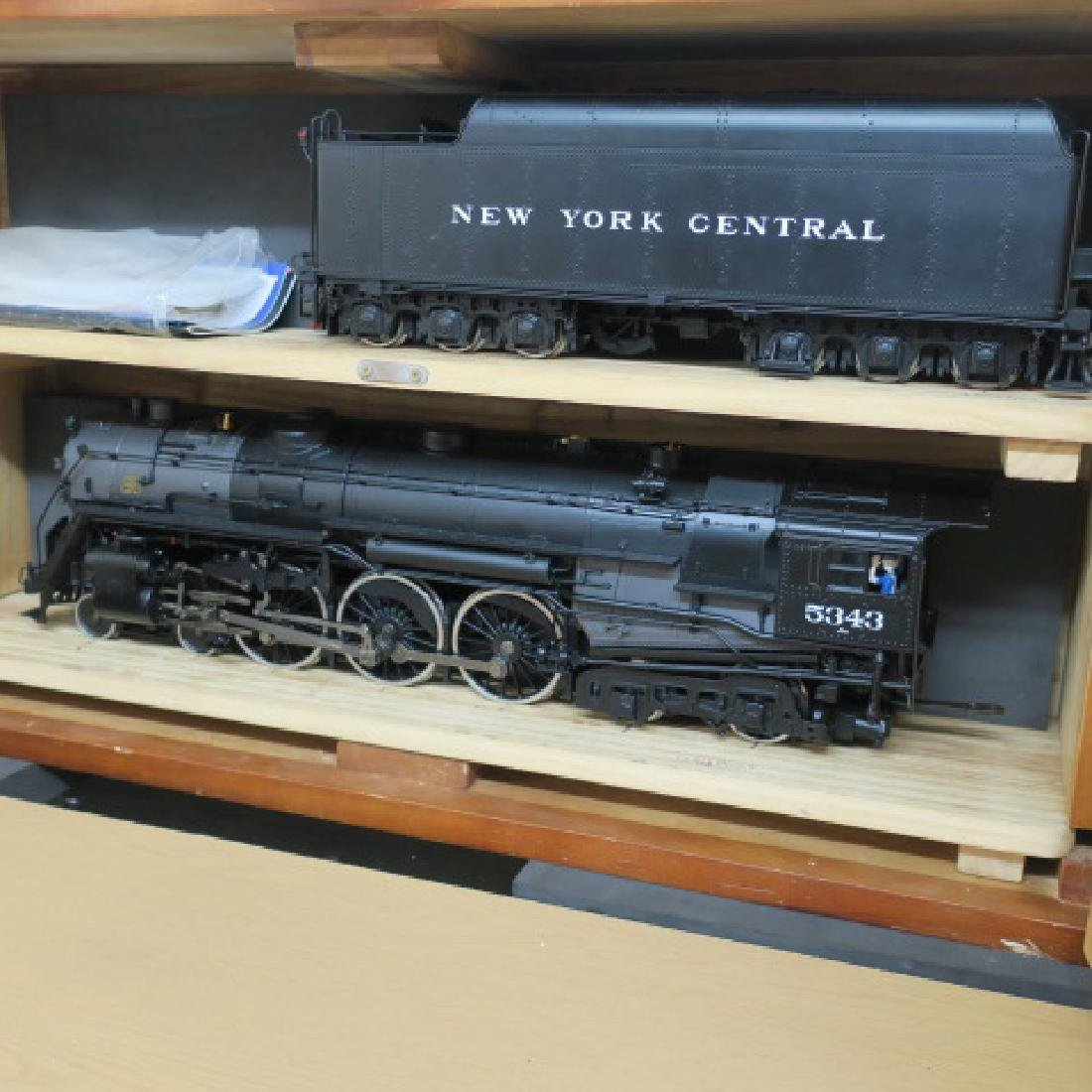 USA TRAINS R20002, NYC J1e Hudson Locomotive & Tender: