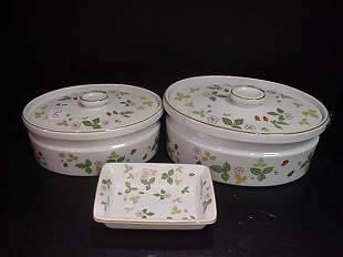 5: Wedgwood Wild Strawberry Casseroles & Dish:
