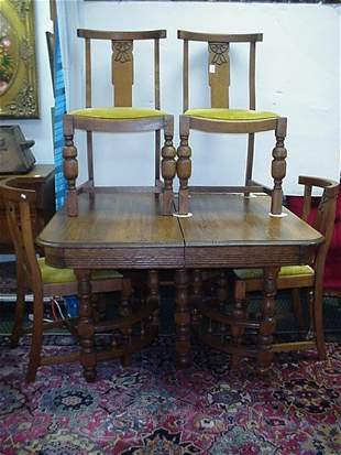 24: Oak Dining Table With 4 Side Chairs: