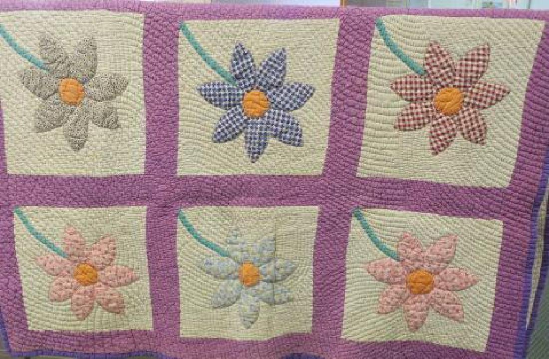 Handstitched Quilt with Applique Sunflower Pattern: