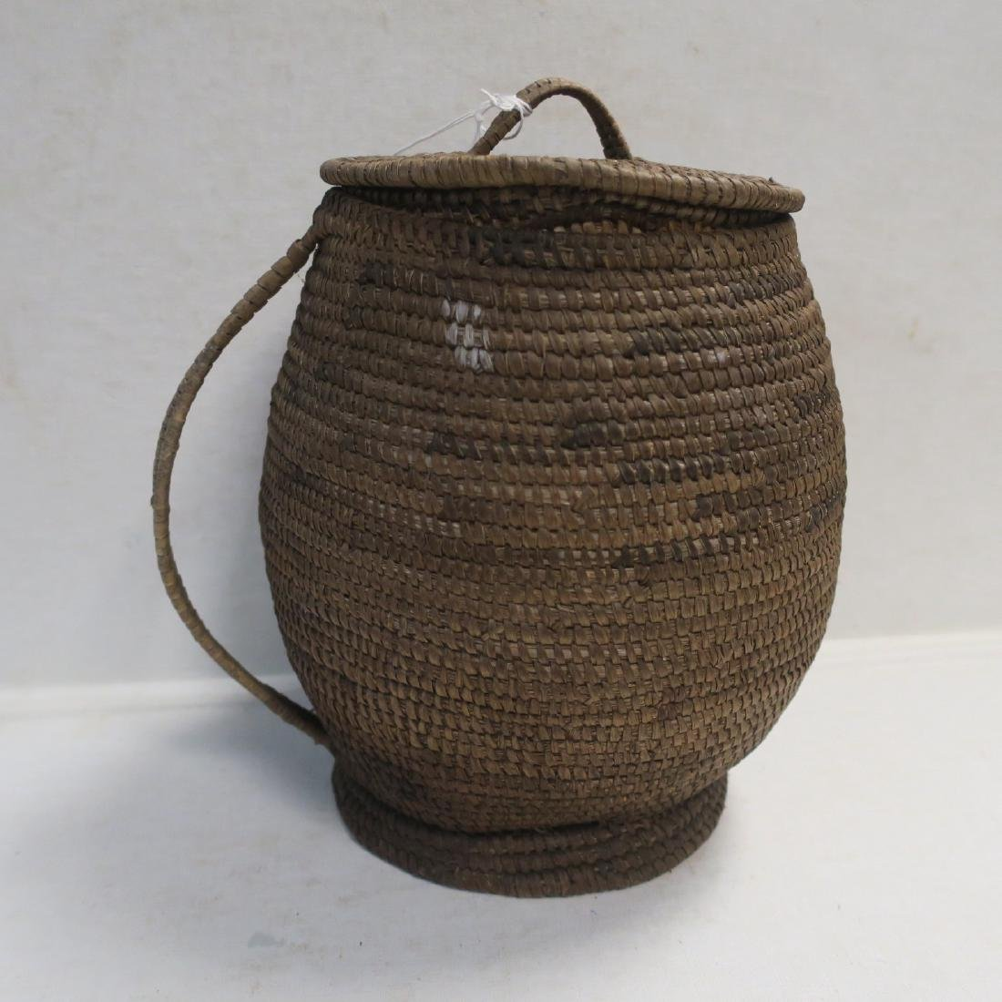 Single Handle Coiled Basket with Lid: