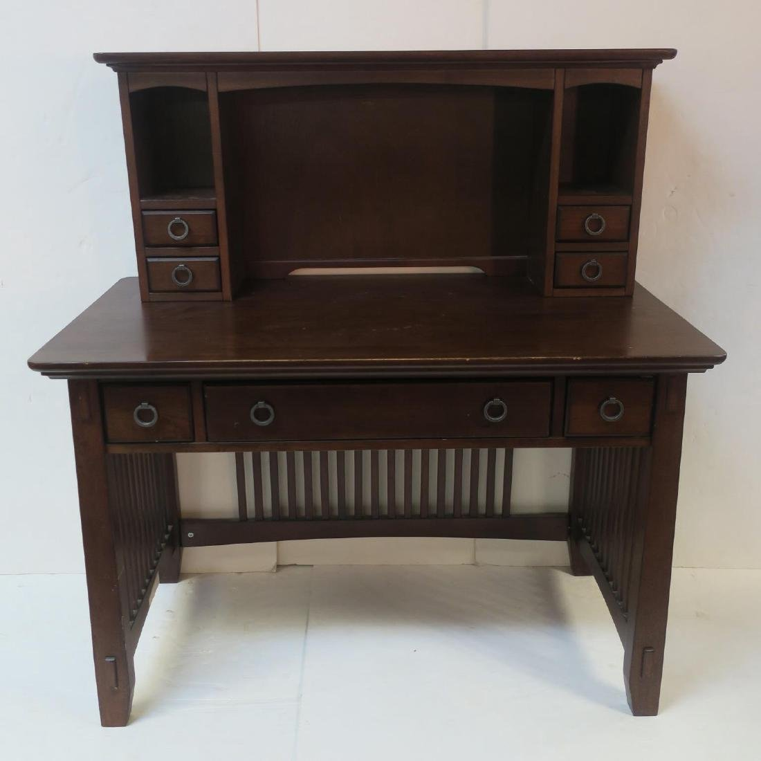 Modern Arts & Crafts Mahogany Finish Computer Desk: