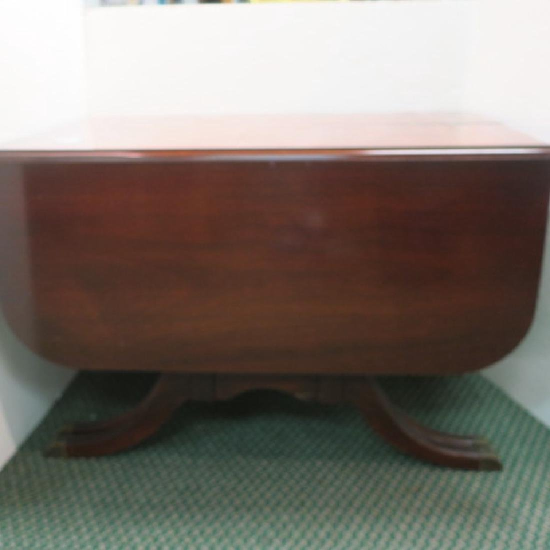 DUNCAN PHYFE Expanding Drop Leaf Banquet Table: