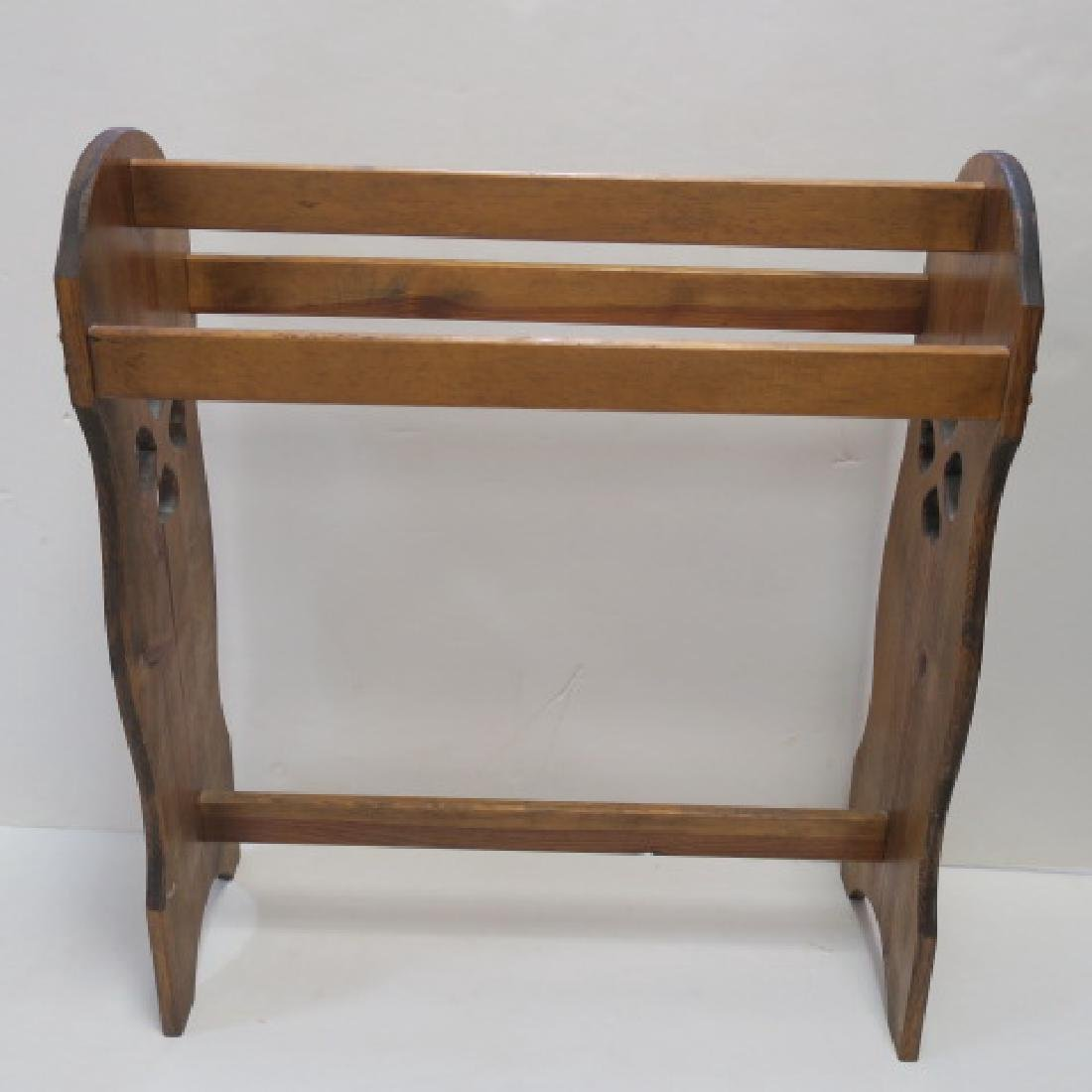 Pine Quilt Rack: - 2