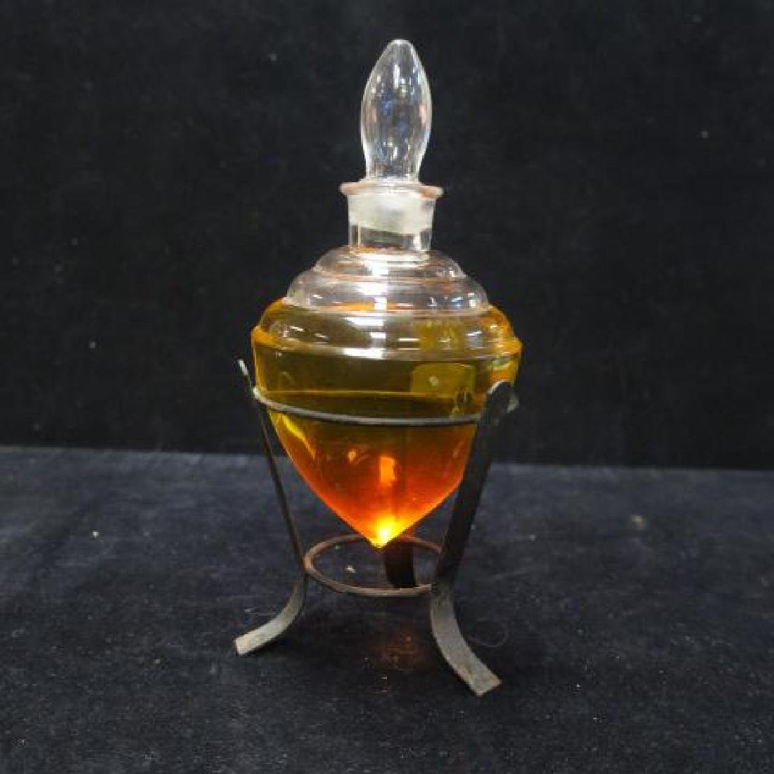 Pharmacy Vessel On Metal Stand with Flame Stopper: - 4