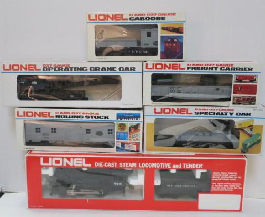 """LIONEL """"YARDCHIEF"""" 0-GUAGE Electric Train Set:"""